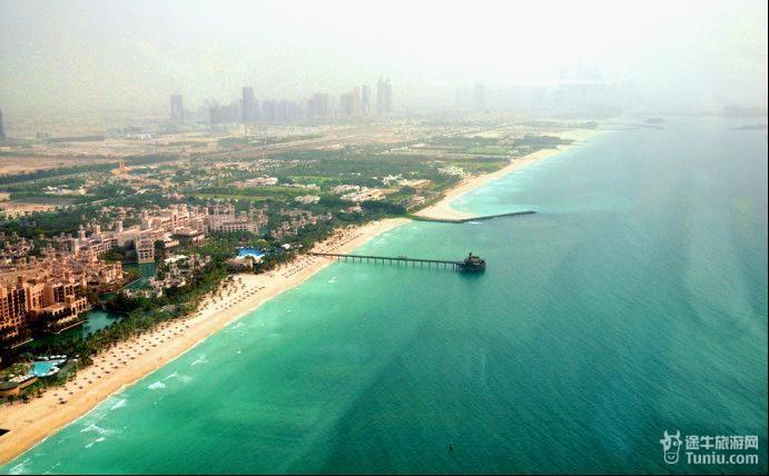 酒店窗外迷人的风景; 去迪拜旅游:迷醉在奢华的迪拜