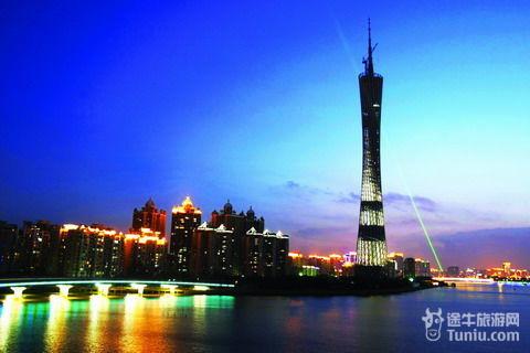 广州新电视塔地处广州新城市中轴线和珠江景观轴线