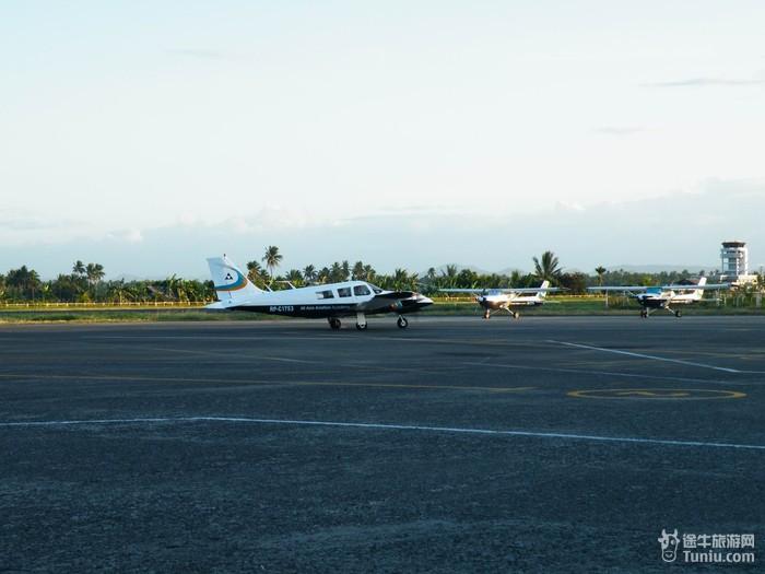 卡里波機場
