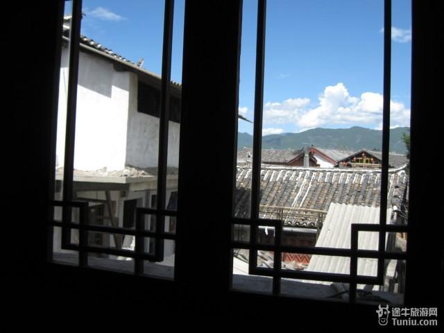 我房间的窗户外的风景