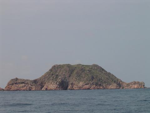 七洲列岛是海南东北角文昌市翁田,龙马正东海南上的几个小岛,文昌