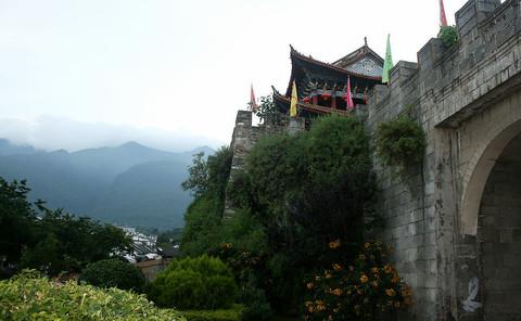 大理古城简称榆城,位居风光亮丽的苍山脚下,距大理市下关...