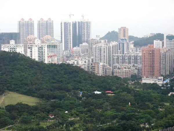 """珠海城标—献珠渔女;后前往被称为""""石头动物园"""