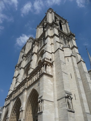 更多巴黎圣母院图片...
