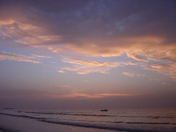 大部分时间为自由活动),海水浴场赶海,拾贝, 回归自然,拥抱大海.