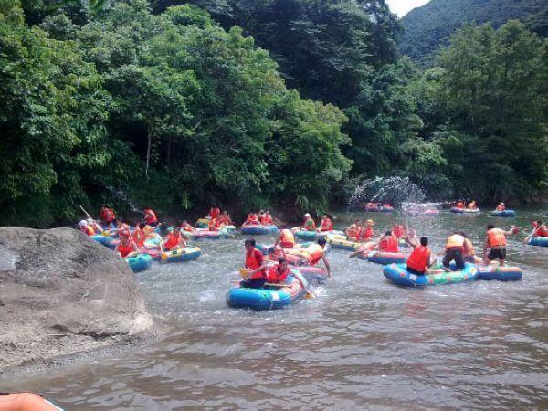 (9)  香江野生动物世界   随后参加华南独有的有惊无险的暗洞漂流