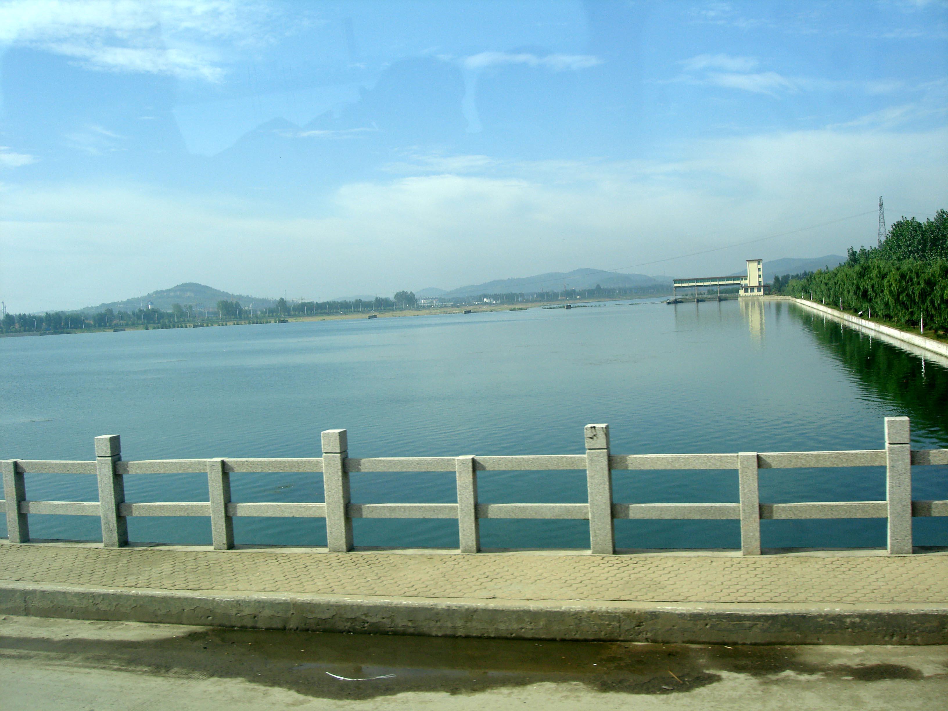 青岛出发_ 智圣户外温泉-竹泉村-沂水地下画廊汽车2