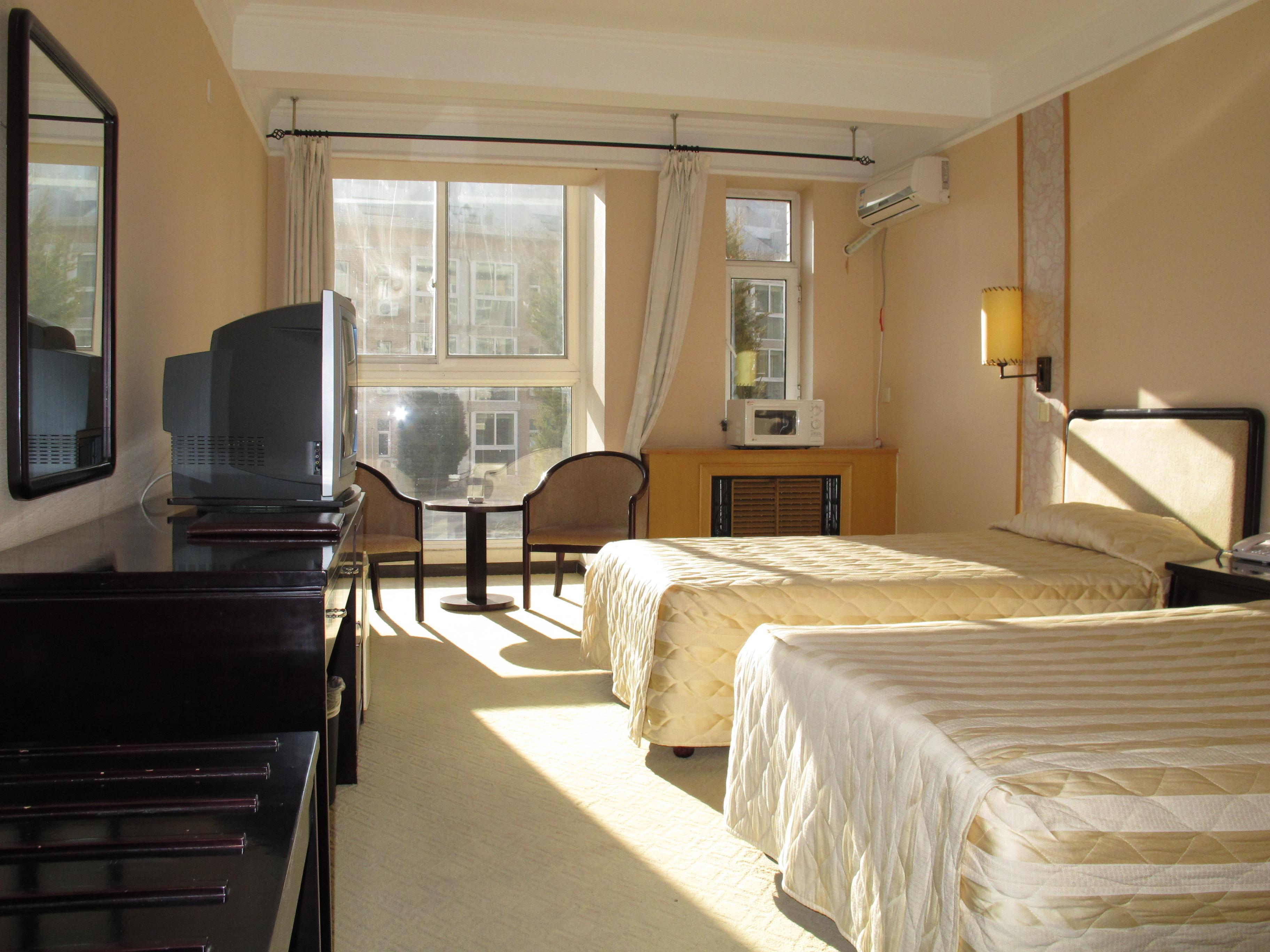 酒店以豪华典雅的欧式建筑为主