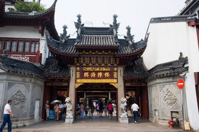 上海城隍庙 景点简介 南京路步行街 南京路步行街位于上海...