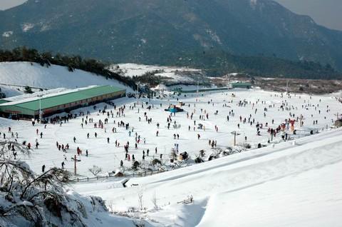 江南天池滑雪图片