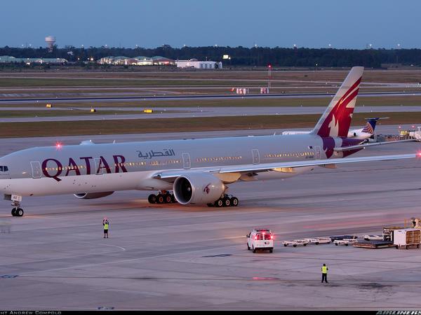 从上海浦东国际机场搭乘卡塔尔航空qr889航班前往